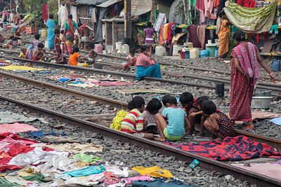 PROBLEMS AND CHALLENGE OF SLUM AREAS IN INDIA : A SOCIOLOGICAL ANALYSIS