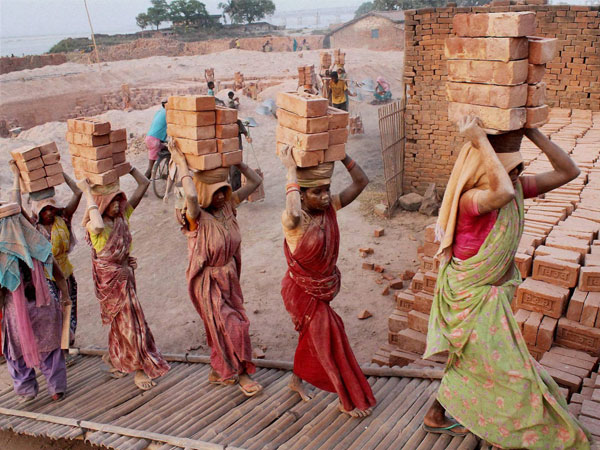 SOCIO-ECONOMIC CONDITIONS OF WOMEN CONSTRUCTION WORKERS