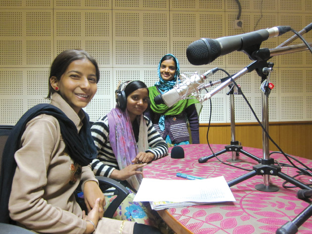 CR AS A PARTICIPATORY GRASSROOT COMMUNICATION  TOOL : A  CASE STUDY OF ALFAZ-E-MEWAT COMMUNITY  RADIO STATION
