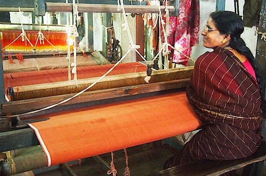 SMALL SCALE INDUSTRIES IN INDIAN CONTEXT:  PERSPECTIVE ON KHADI AND VILLAGE INDUSTRIES