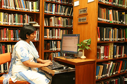 CHALLENGES AND OPPORTUNITIES OF ACADEMIC  LIBRARIES IN INDIA