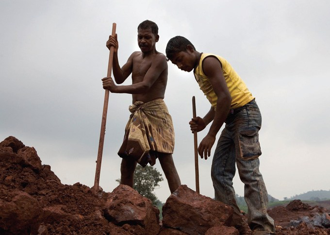 PROBLEMS AND CHALLENGES OF MINING WORKERS IN BELLARY  DISTRICT: A SOCIOLOGICAL ANALYSIS
