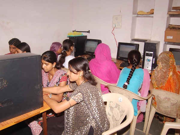 RELATIONSHIP BETWEEN EDUCATION AND FLFP IN RURAL  INDIA THROUGH A SURVEY IN PATIYALI (UP)