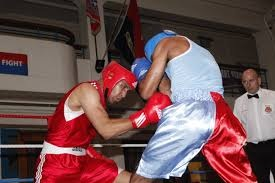 EFFECTS OF RAPID WEIGHT LOSS ON MOOD AND  PERFORMANCE AMONG AMATEUR BOXERS