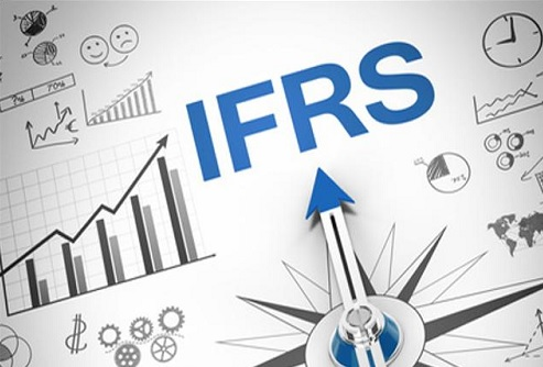 INTERNATIONAL FINANCIAL REPORTING  STANDARD (IFRS): PROSPECTS AND CHALLENGES