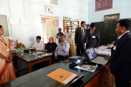 EFFECTIVE USE OF SYLLABUS WORKSHOPS IN DAYANAND COLLEGE  OF EDUCATION, SOLAPUR